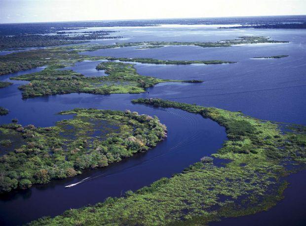 Impacto ambiental nas baías de Siá Mariana e Chacororé é investigado