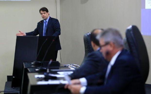 Receita estadual é insuficiente e não cobre despesas de mais de R$ 10 bi do Governo, diz secretário