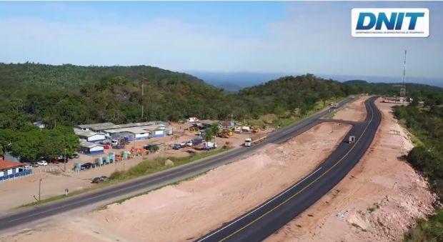 DNIT executa 80% de obras na BR-163 entre a Serra de São Vicente e Jaciara; termino previsto para 2018  vídeo