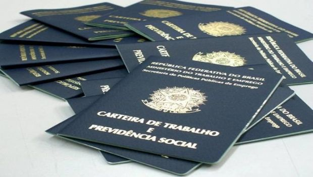 Trabalhadores têm 15 dias para sacar PIS/Pasep ano-base de 2015, alerta Ministério do Trabalho