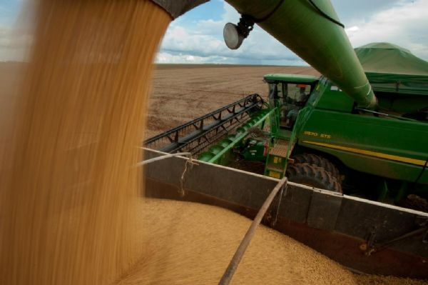 Puxados pelo agronegócio, só MT e mais cinco estados devem superar pior recessão da história