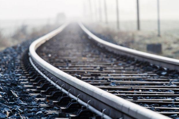 Levers Train Tracks O N : Orçada em r bi obras da ferrovia integração
