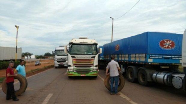 Setor do transporte avalia nova greve diante silêncio do governo e baixa do frete em Mato Grosso