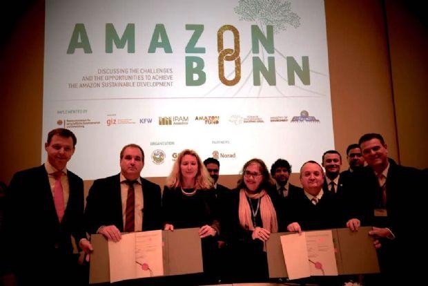 Mato Grosso assinou contratos com os governos da Alemanha e do Reino Unido, em Bonn