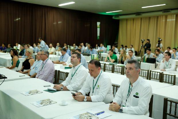 Inovações e tendências no campo foram temas debatidos no Circuito RedeAgro