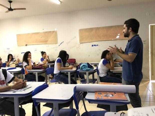 Alunos do ensino médio aprendem sobre negócios e empreendedorismo; 11 mil jovens participam em MT