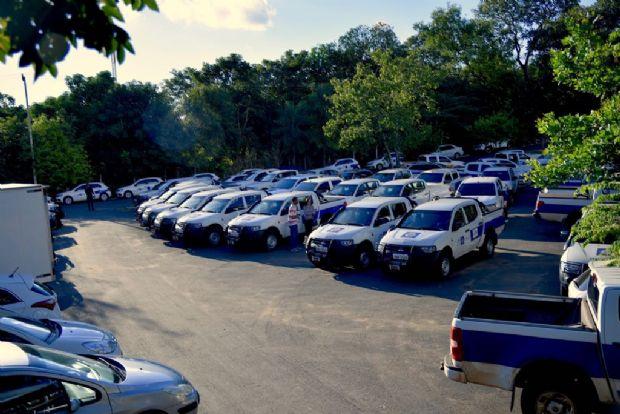 Governo entrega 22 novos veículos para as unidades regionais da Sema