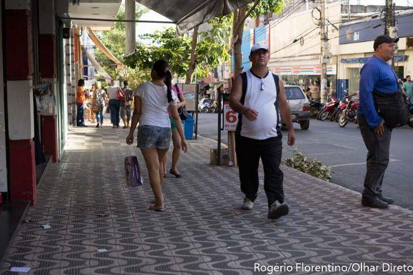 Queda de 30% nas vendas leva comércio a demitir em Mato Grosso