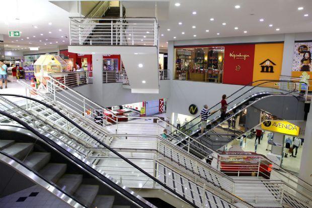 Bancos, shoppings, hospital e comércio: veja o que funcionará durante o feriado prolongado