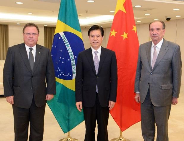 Maggi propõe concessão de 15 milhões de toneladas de farelo de soja do Brasil para a China
