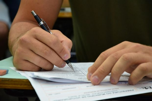 Prefeitura abre concurso com mais de 30 vagas; salários chegam a R$ 6,9 mil