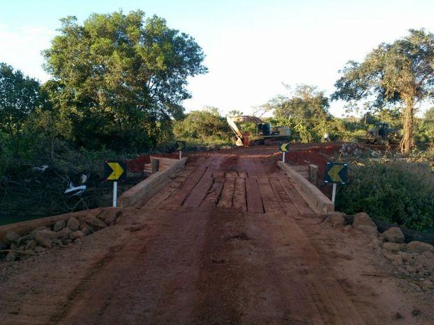 A BR-158 chegou a ficar interditada do dia 03 ao dia 12 de abril no Km 242, entre o município de Confresa e o distrito de Alô Brasil, em Mato Grosso, devido à elevação do nível do rio que danificou uma ponte.