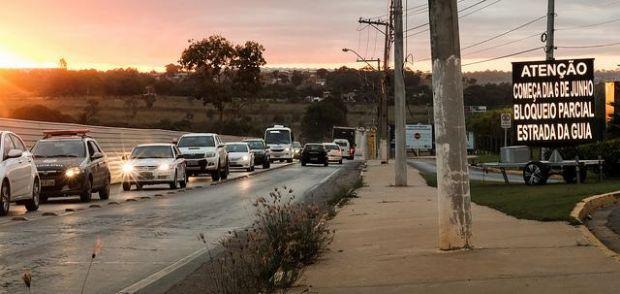 Estrada da Guia terá bloqueio parcial a partir desta terça-feira para avanço de obras em trincheira; veja desvios