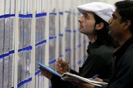 Brasil tem 2,9 milhões de pessoas em busca de emprego há mais de 2 anos, diz IBGE