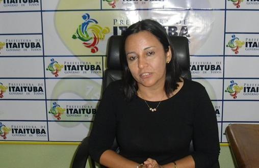 http://www.olhardireto.com.br/agro/imgsite/noticias/prefeita-de-itaituba.JPG