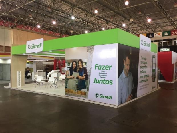 Em feira, Sicredi apresenta produtos e serviços destinados às empresas