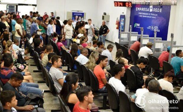 Cuiabá tem 107 vagas com salários que ultrapassam R$ 3 mil; veja vagas ofertadas no Sine
