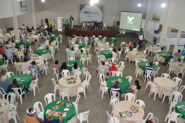 Senar promove Workshop sobre a pecuária de leite em MT