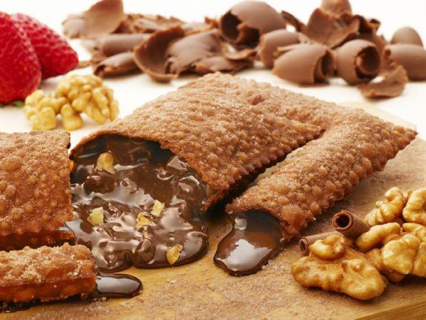 Pastel de chocolate com nozes
