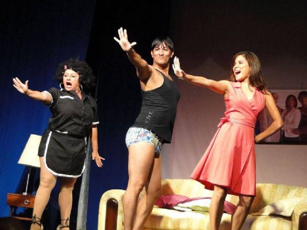 Peça de teatro carioca, 'A Demitida' é exibida em Cuiabá nesta semana