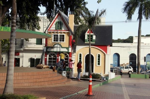 Natal da Prefeitura terá casa do Papai Noel e projeções em homenagem aos 90 anos do Mickey