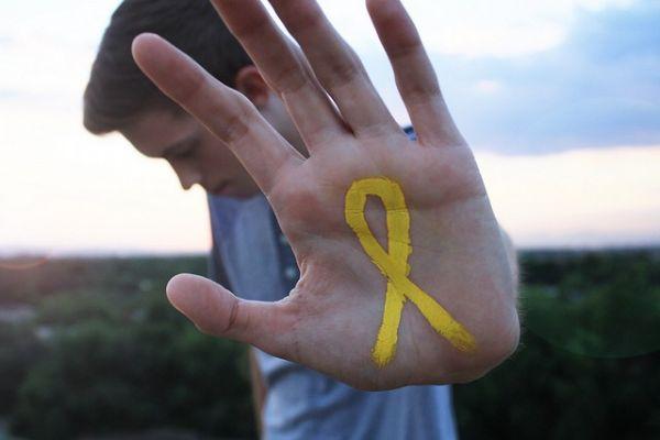 'Setembro amarelo' estimula prevenção do suicídio por meio da conversa sobre o tema
