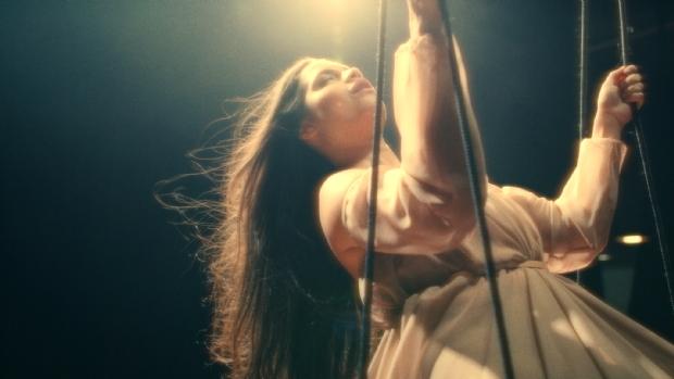 Ana Rafaela lança primeiro clipe como intérprete com música que faz referência às lutas das minorias