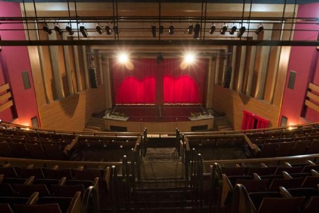 Professores podem se inscrever até sexta-feira para vagas na MT Escola de Teatro