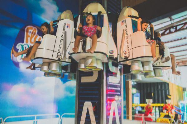 Coloiado promove matinês dentro do parque de diversões no domingo e terça de carnaval