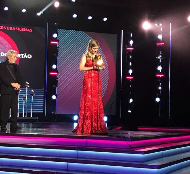 Cuiabana, Bruna Viola encanta a América Latina e vence o Grammy 2017