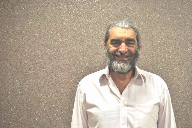 Robert Paris, presidente do CVV