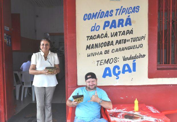 Paraense faz sucesso em Cuiabá vendendo açaí puro, tacacá e outras comidas do Norte do país
