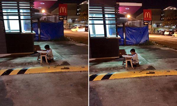 Como uma fotografia mudou a vida de um garoto sem teto que usava a luz de lanchonete para fazer a lição de casa