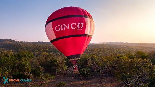 Famílias participam de voo de balão em Chapada para ver condomínio Florais 'do alto'