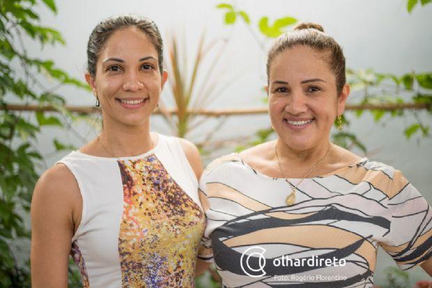 Bruna, filha, e Maria Aparecida, mãe, proprietárias do Sabor Maria