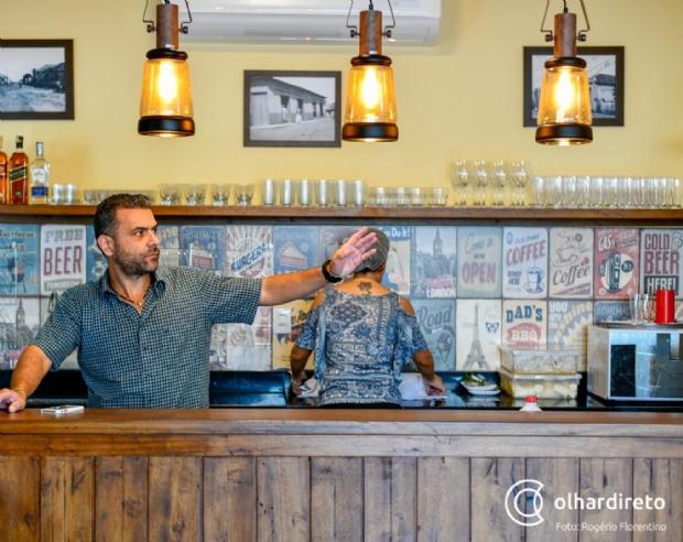 Cuiabano abre bar em homenagem ao avô de descendência portuguesa com petiscos e conservas
