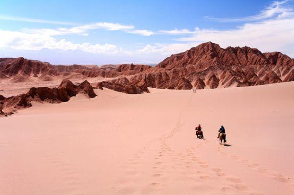 """Nova rota turística """"Atacama-Pantanal"""" é apresentada por comitiva de Mato Grosso em reunião no Chile"""