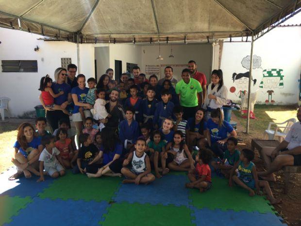 Crianças atendidas no Coletivo Cuiabá