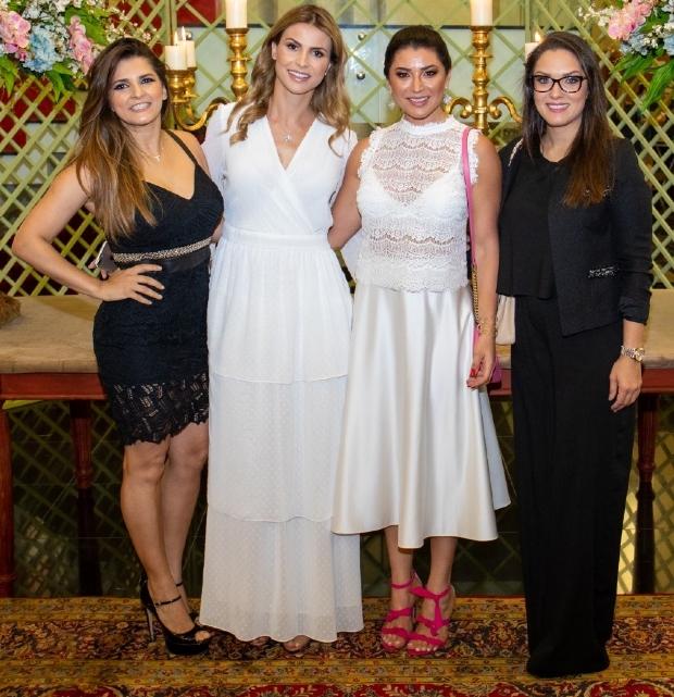 As mulheres que se uniram para fazer o bem: Fabiola Calegari, Thaiana Maggi, Acilene Clini e Janaina Riva. O Ação e Benção foi um sucesso!