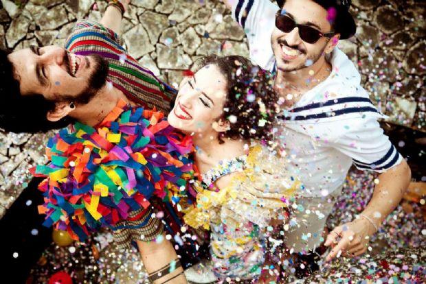 Filha de carnavalesco cuiabano organiza primeiro 'Grito de Carnaval' de 2018 com open bar e bateria
