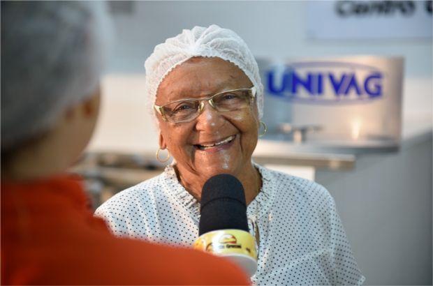 Em oficina no Pantanal Cozinha Brasil, Dona Eulália conta segredo da receita do bolo de arroz e de queijo; fotos e vídeo
