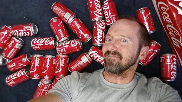 O que aconteceu com o inglês que passou 30 dias tomando apenas refrigerante