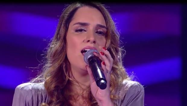 Cuiabana canta música autoral e entra para time de Teló no The Voice Brasil