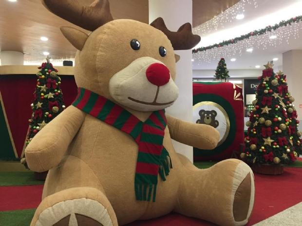 Natal no Pantanal Shopping terá piano gigante, voo de balão em realidade virtual, xícara giratória e roda gigante