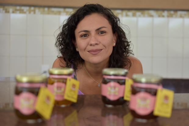 Após três anos de estudo, administradora deixa empresa inglesa para vender geleias artesanais em MT