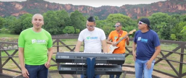 Após perder eleição, Procurador Mauro retoma carreira de cantor e regrava o hit 'Jenifer'