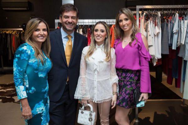Com palestra sobre amor,  moda e o glamour, Bruno Astuto encanta clientes da Vila Konceito