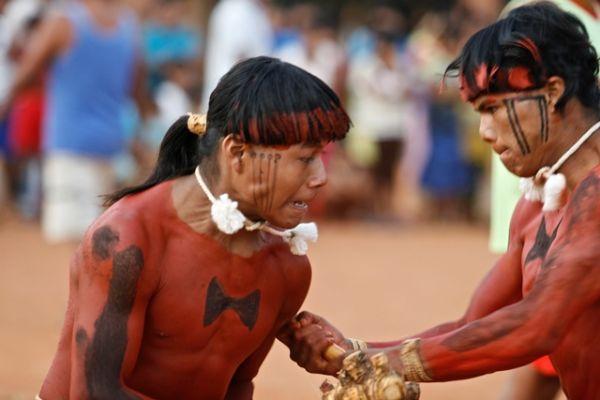 Dupla de índios Xavantes lançam CD na Casa do Parque nesta quinta