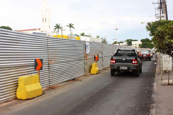 Obras do VLT na avenida Prainha: via permanente não ficará pronto a tempo do Mundial e obras podem ser paralisadas temporariamente