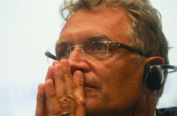 Em visita à Arena Pantanal, Jérôme Valcke faz elogios, mas cobra esforço